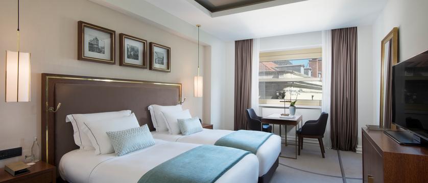 Lisbon_Hotel-TivoliAvenida-Liberdade_bedroom.jpg